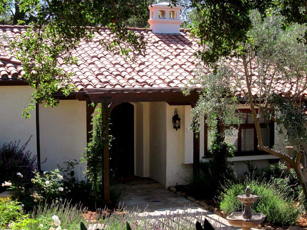коттедж в испанском стиле