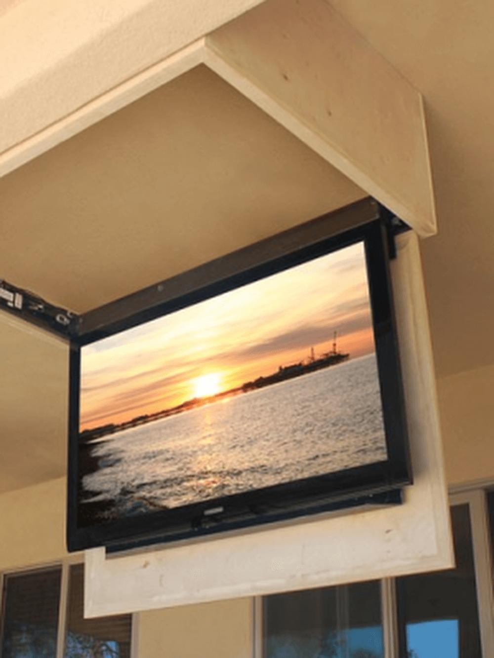 телевизор на потолке